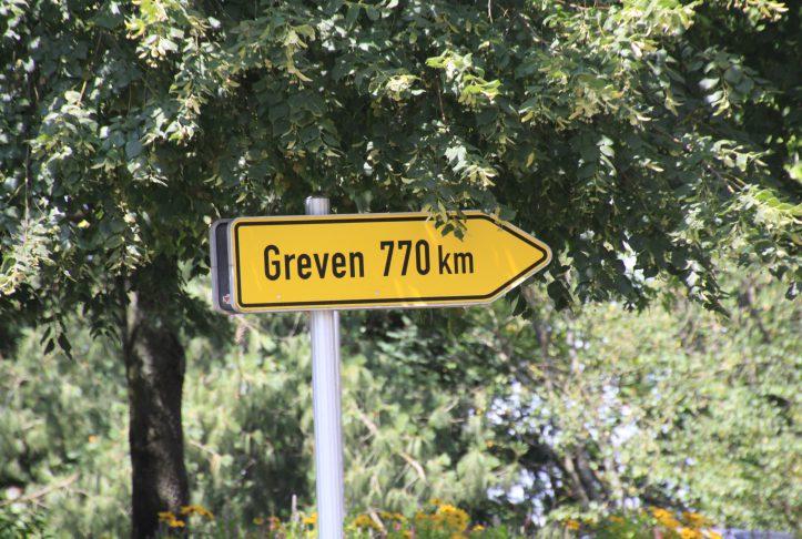 Greven Straßenschild in Montargis